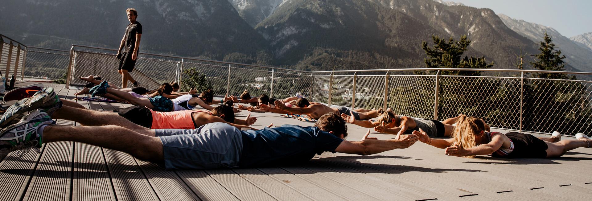 Sunset Trainings Session mit Basefive am Dach des Kaufhaus Tyrol