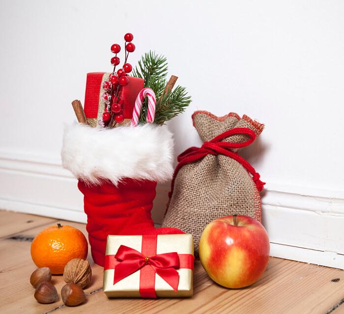 Wir basteln! Am 06. Dezember2019 wird zwischen 14.00 und 16.00 Uhr in der Kinderwelt gebastelt. Wir werden einen kleinen Nikolaus basteln und verzieren!