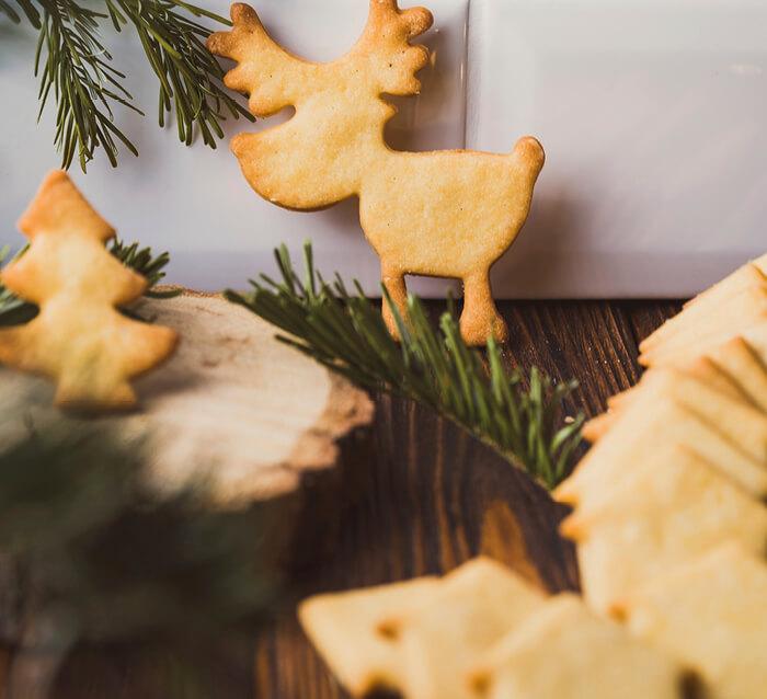 Mann backt - Weihnachtsbäckerei